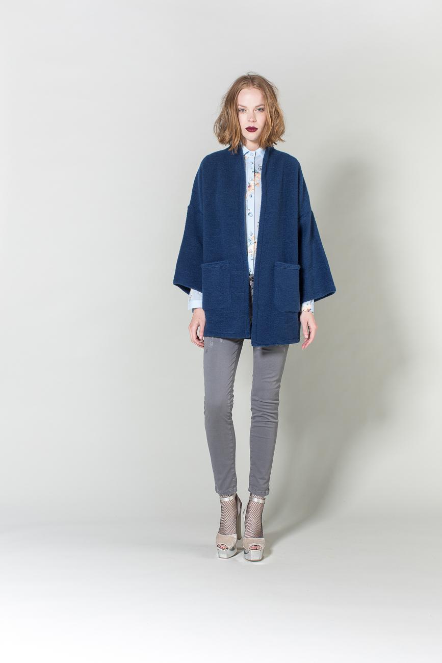 jeans, camicia, cappotto H2O