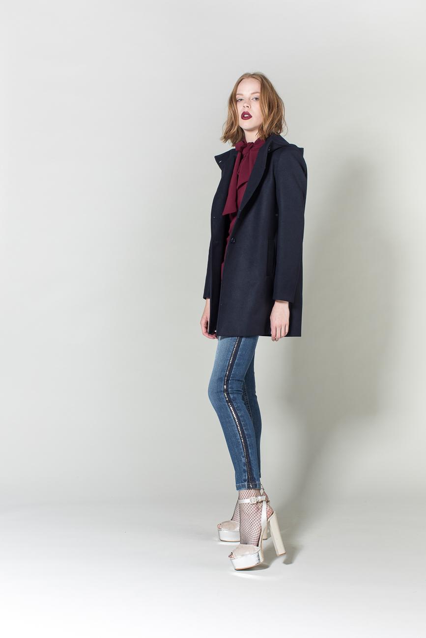 jeans, cappotto, camicia H2O