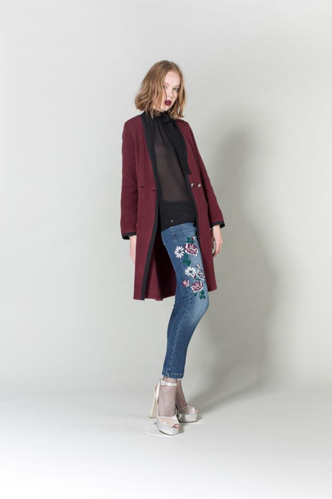 cappotto, jeans, camicia H2O