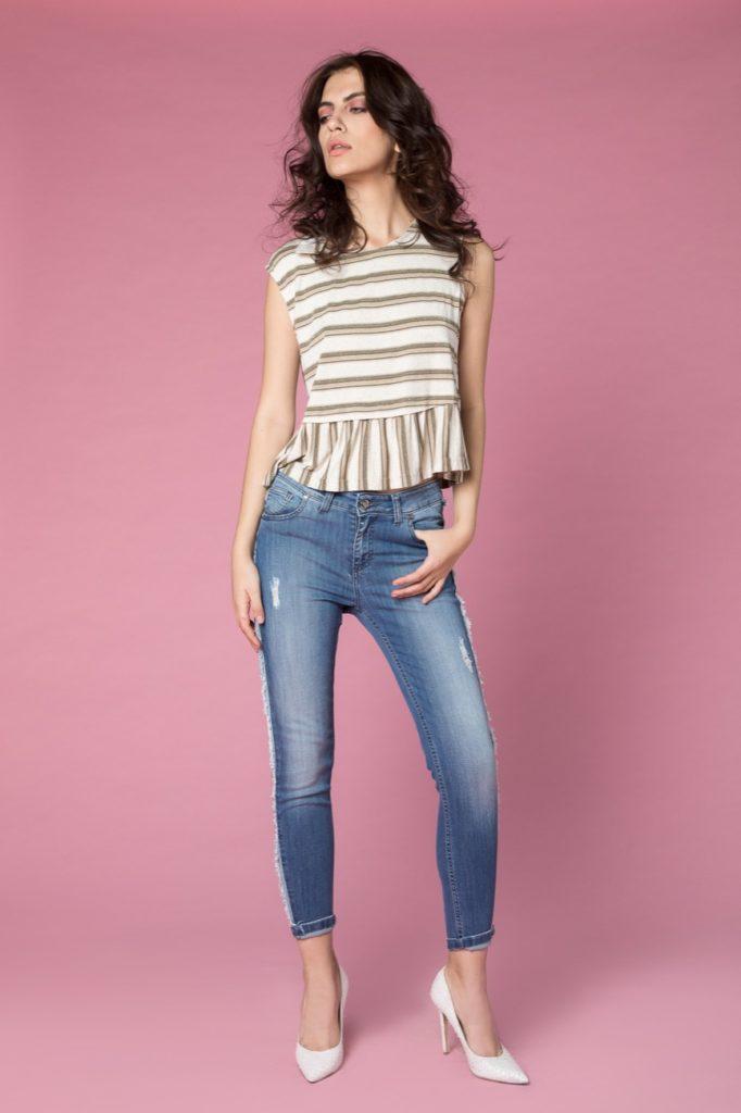 t-shirt, jeans H2O